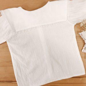 Camisa cuello cuadrado